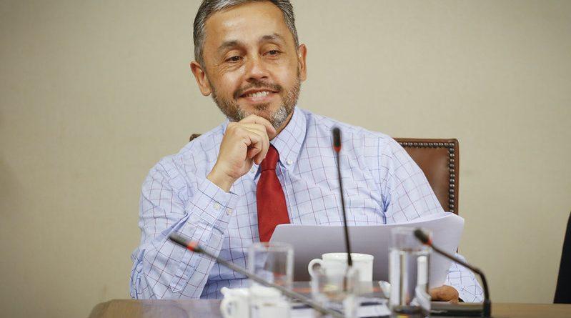 Diputado Eduardo Durán se encuentra en reflexión respecto del segundo retiro del 10%